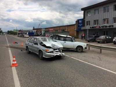 Машина врезалась вмагазин наСтаврополье— Тройное ДТП