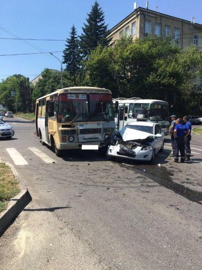 В Ставрополе в ДТП с автобусом пострадали две женщины