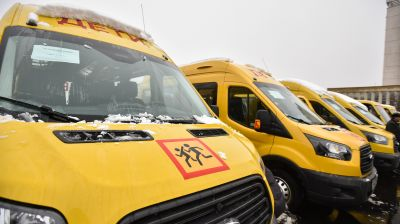Школам Ставрополья передали 54 школьных автобуса