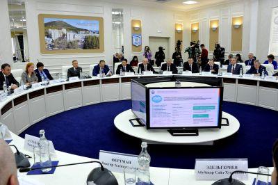 Медведев поручил «Газпрому» отчитаться закавказские долги