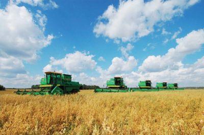 Андрей Бочаров принял участие вовсероссийском совещании оходе сезонных полевых работ